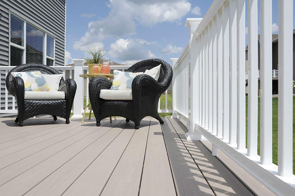 Trending Now: The Benefits of Trex and AZEK Decking versus Wood